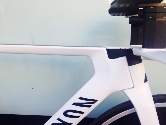 First look: #AlexDowsett's #HourRecord bike! A side view of the aero #Canyon headtube!