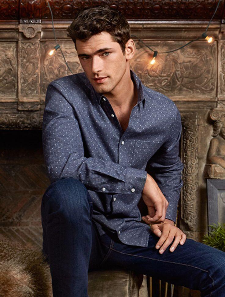 H&M: #SeanOPry models #Winter Essentials