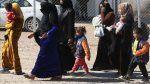 72.000 warga Irak yang mengungsi kembali ke Mosul  MOSUL (Arrahmah.com)  Setidaknya 72.000 pengungsi telah kembali ke Mosul Kementerian Migrasi Irak mengatakan pada Senin (6/3/2017).  Jumlah orang yang mengungsi dari Mosul barat sekarang adalah 57.000 sedangkan jumlah pengungsi dari seluruh kota telah mencapai sekitar 287.000 kata juru bicara kementerian Sattar Nowruz kepada AA.  Telah ada pemulangan sukarela oleh pengungsi ke daerah yang baru dibebaskan dengan setidaknya 72.000 kembali ke…