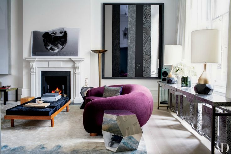 The Most Beautiful Living Room Ideas From London Interior Designers | London is not only known for the beautiful cites and rich culture but also for its design. Let yourself be inspired by these wonderful living room ideas in the city. Find more here: http://modernsofas.eu/2016/06/20/beautiful-living-room-ideas-london/