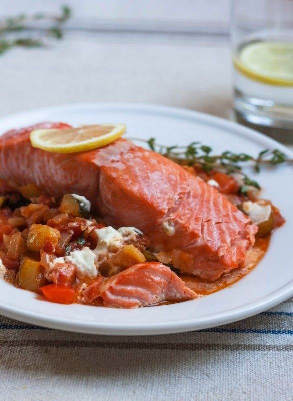 Baked Salmon With Vegetables Ratatouille Recipe - http://easy-lunch-recipes.com/baked-salmon-with-vegetables-ratatouille-recipe/