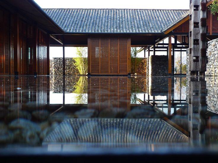 中国,丽江,淼庐/李晓东 http://archgo.com/index.php?option=com_content&view=article&id=1163:the-water-house-li-xiaodong-atelier&catid=61:villa&Itemid=100