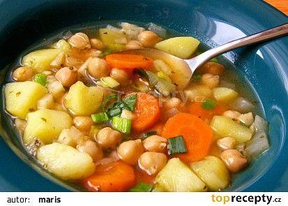 Zeleninová polévka s cizrnou recept - TopRecepty.cz