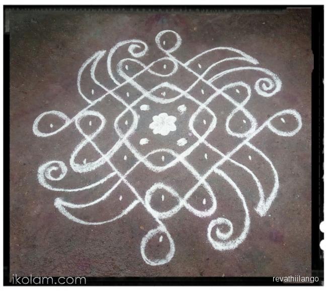 Rangoli Rev's chikku kolam 55. 7 to 1 straight dots   m.iKolam.com