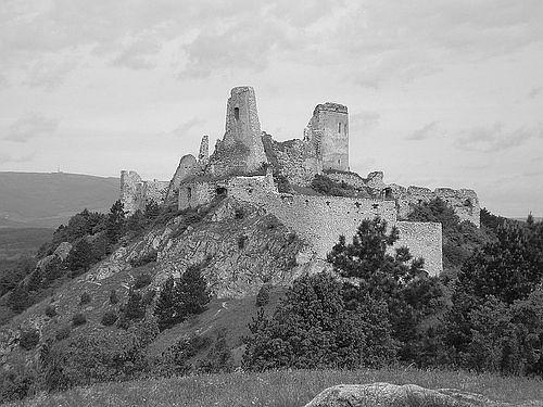 čachtický hrad v minulosti