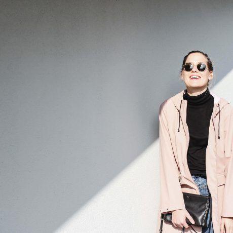 "tifmys – Turtleneck: Funktion Schnitt | Jeans: Closed ""Pedal Pusher"" | Rain jacket: Zara | Sneakers: Vans Old Skool | Earrings: Maschalina | Bag: Céline Trio"