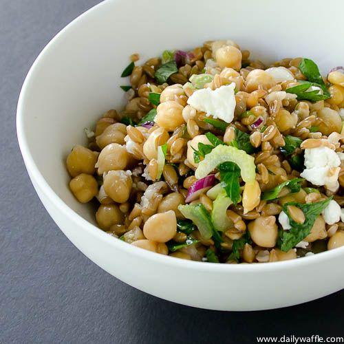Insalata di Farro e Ceci (Chickpeas & Farro Salad) Healthy & delicious.