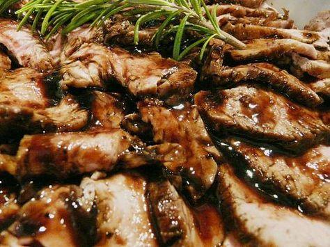Kruidige Varkenshaas In Wijn-balsamicosaus recept
