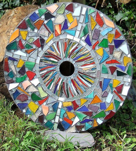 Mosaic Garden Stones: Mosaic Birdbath, Mosaic Garden