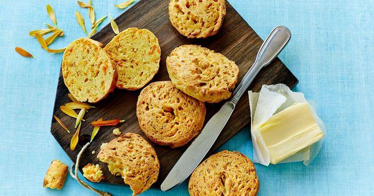 Nemme portionsbrød som smager dejligt til ostebordet og i madpakken.