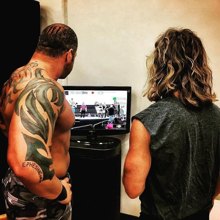 Backstage monitors keep everyone up to date during the shows.  Just waiting for our first video game tourney backstage.  #wrestling restling #wwe #lucha