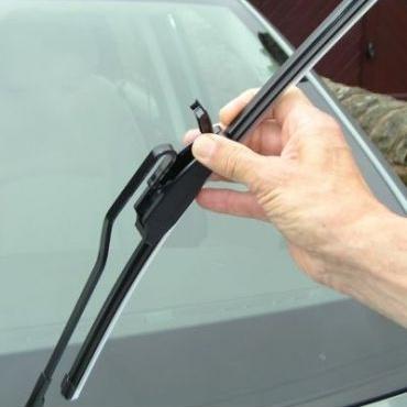 Yuk, Rawat Kaca Mobil. Kaca pada mobil merupakan bagian yang tak kalah penting untuk menunjang keselamatan dan kenyamanan saat berkendara.    Read more: http://auto.ghiboo.com/yuk-rawat-kaca-mobil