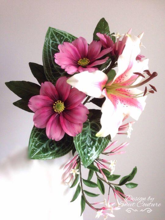 Un ramo de flores de azúcar.
