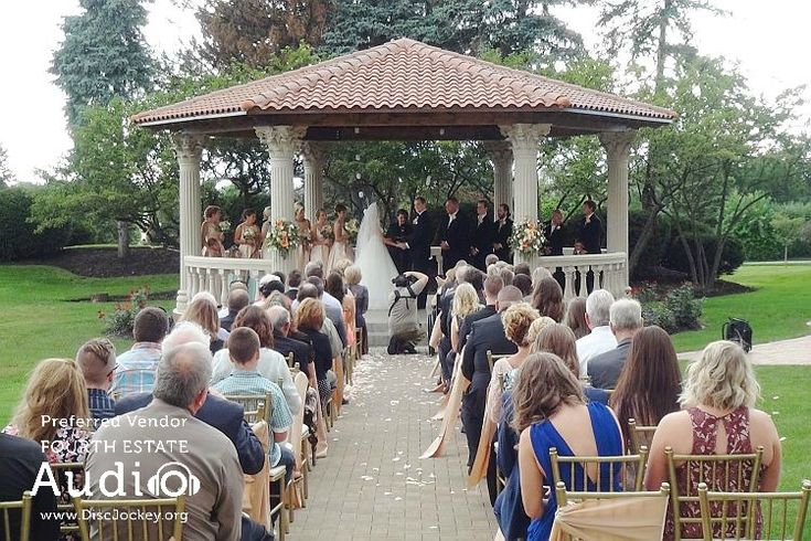 What a fairy-tale setting for an outdoor wedding -- the gazebo at the Drake Oak Brook. http://www.discjockey.org/real-chicago-wedding-august-20-2016/