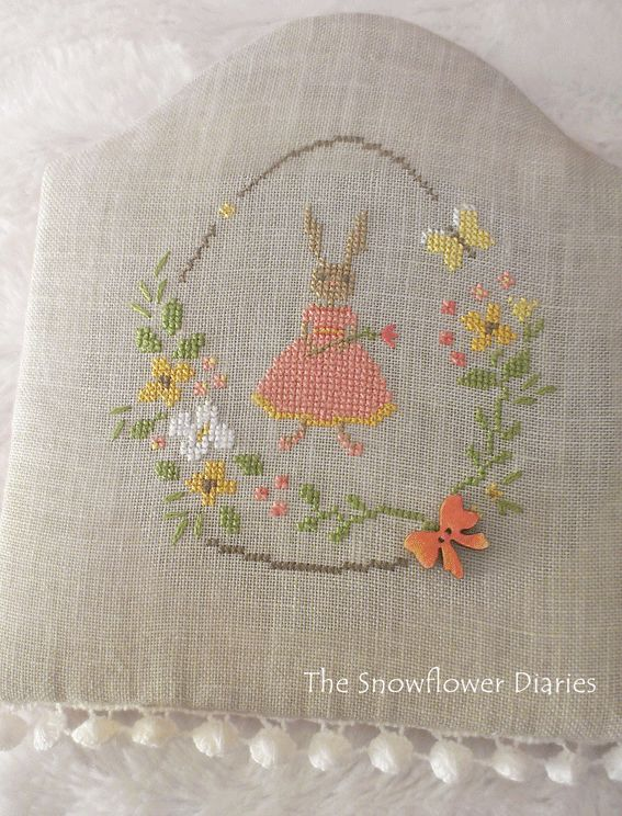 The Snowflower Diaries: Free pattern for my first blogiversary:-)