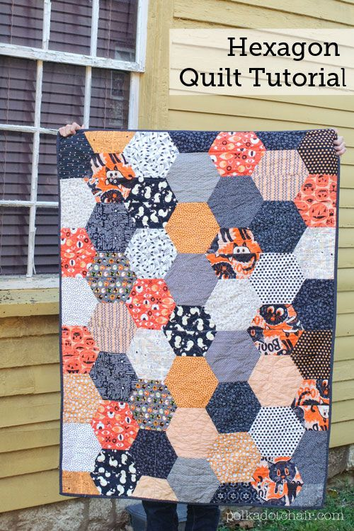 A free quilting pattern for a large hexagon halloween quilt. A cheater way to make a hexagon quilt. A hexagon quilt tutorial.