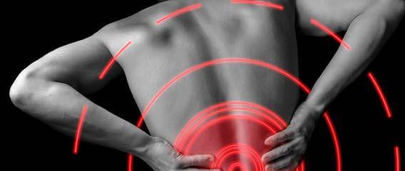 Bei Rückenschmerzen zum Arzt gehen, ist eine Möglichkeit. Aber es gibt auch noch eine sehr wichtige andere …   #rückenschmerzen #behandlung #prävention #LWS-syndrom #bandscheiben  http://www.personalfitness.de/lifestyle/408