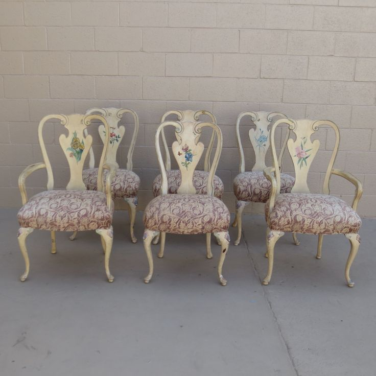 This is a gorgeous set of six French antique shabby chic dining room chairs  that consist of two arm chairs and 4 side chairs that are all hand painted - Best 25+ Shabby Chic Dining Chairs Ideas On Pinterest Shabby