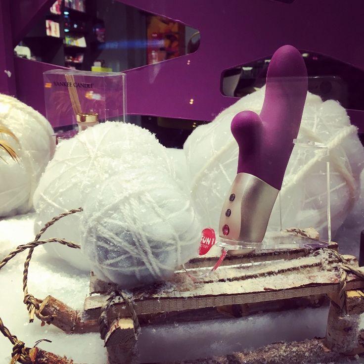 #widnow #dispaly #winter #shop #butik #erotyczny #fun_factory
