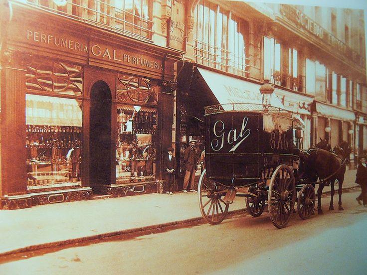 Antigua fachada de la Perfumería GAL en la Carrera de San Jerónimo (Madrid)
