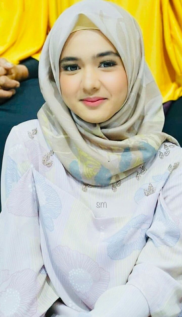 For example, the domain name microsoft.com represents about a dozen ip. Pin di Girl hijab