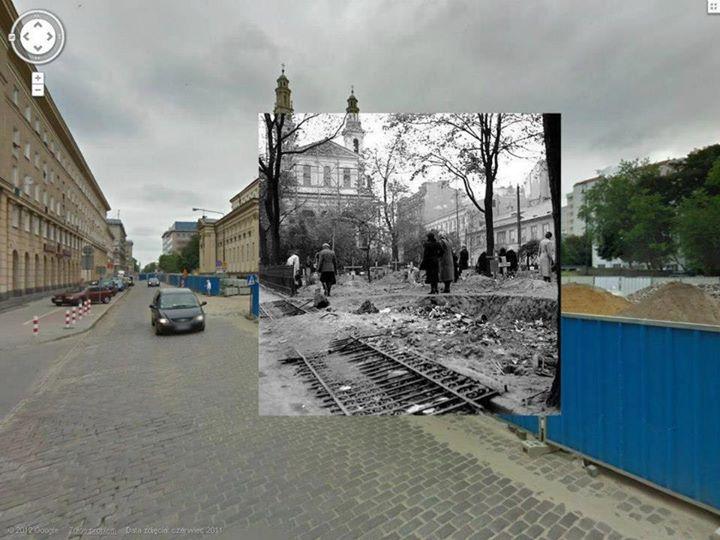 Plac przed kościołem świętego Andrzeja.