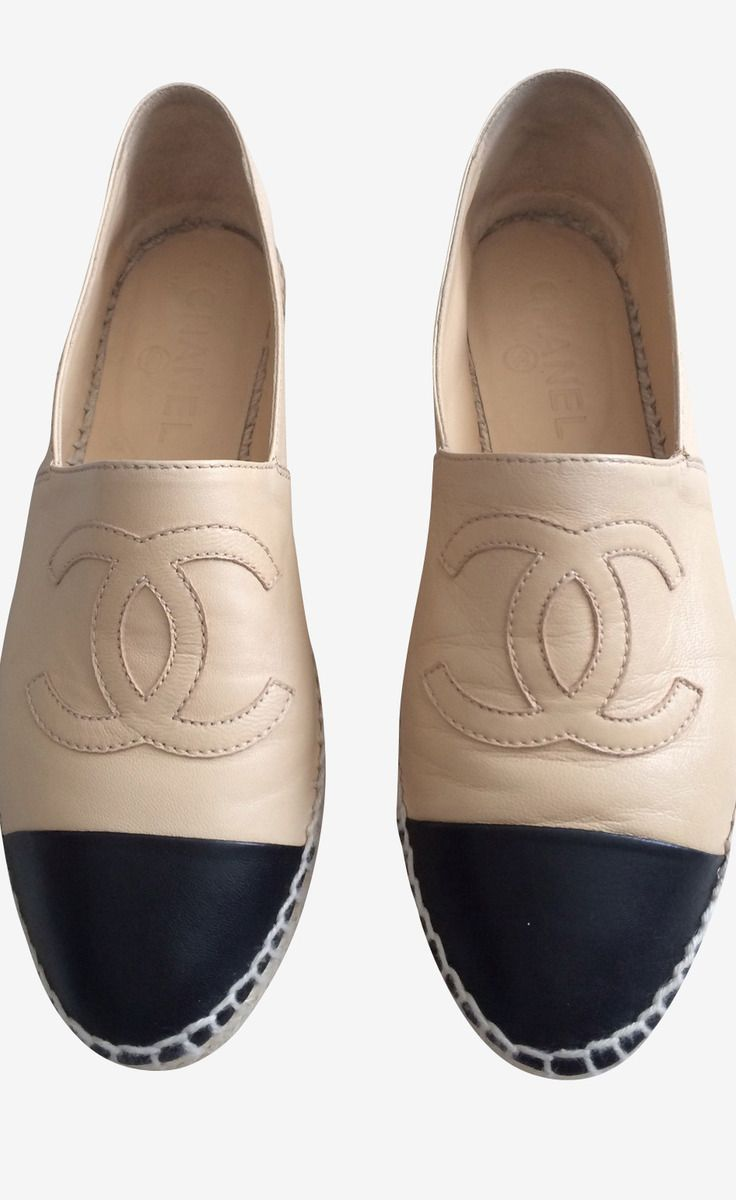 Chanel Beige And Black Flat | VAUNTE