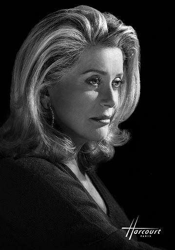 PHOTOS - Catherine Deneuve par le Studio Harcourt Paris.