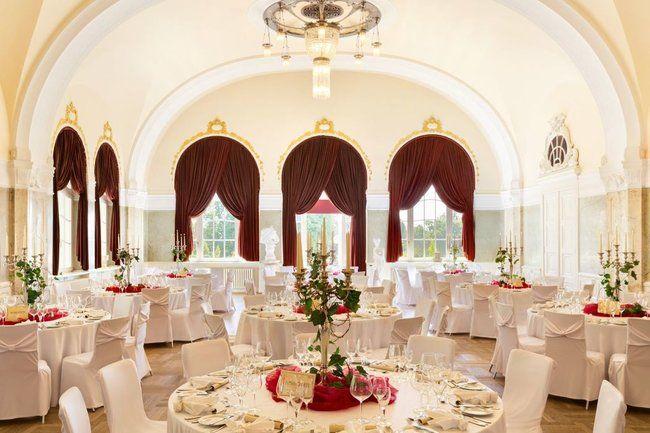 Exklusives Ambiente Luxus Hochzeitslocations In Deutschland Hochzeitslocation Hochzeit Location Veranstaltungsraum