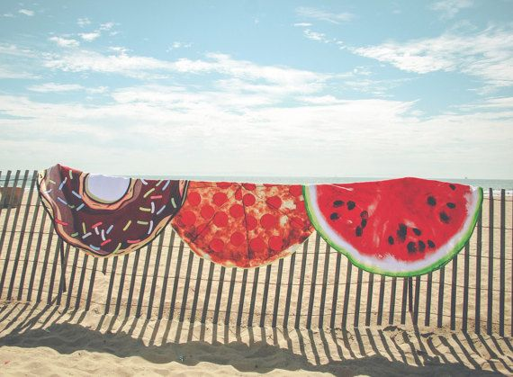 Round watermelon beach towel, making the summer a little bit sweeter 150 cm of awesomeness I 100 % Cotton Why its Rad: • It fits two people. Now you and bae only have to pack one towel. (Bae= dog, cat