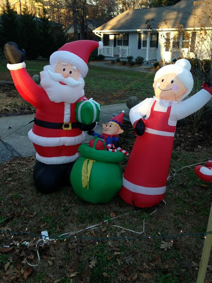 Christmas yard inflatable mr mrs claus