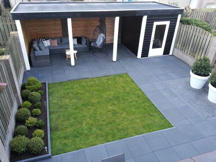 Meer dan 1000 idee n over kleine achtertuin tuinen op for Strakke kleine tuin