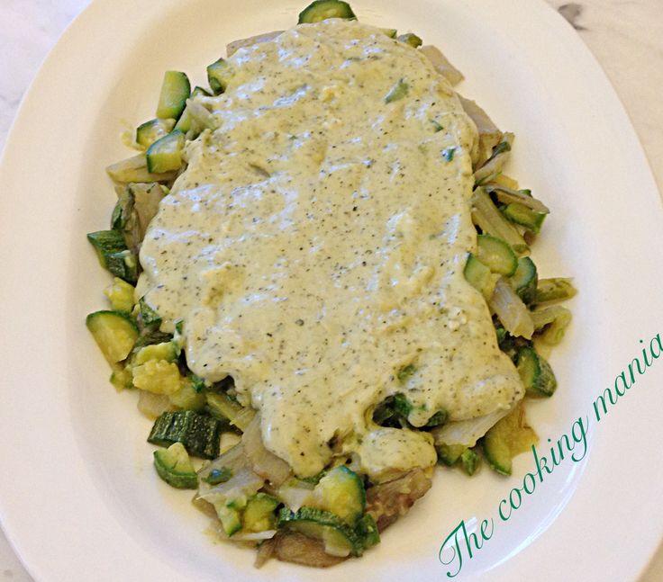 Coste di bietole e zucchine profumate con menta e basilico: un contorno fresco e leggero, ideale per accompagnare carne o pesce alla griglia.