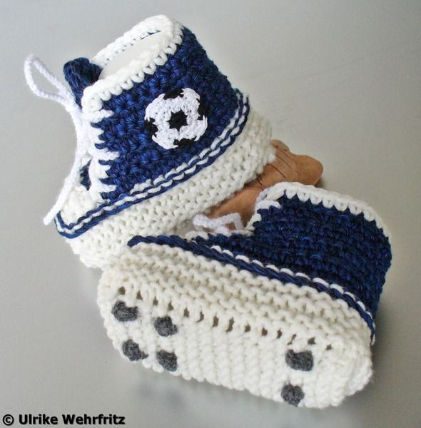 Babyschuhe Turnschuhe Fußballschuhe Sneakers von strickliene auf DaWanda.com