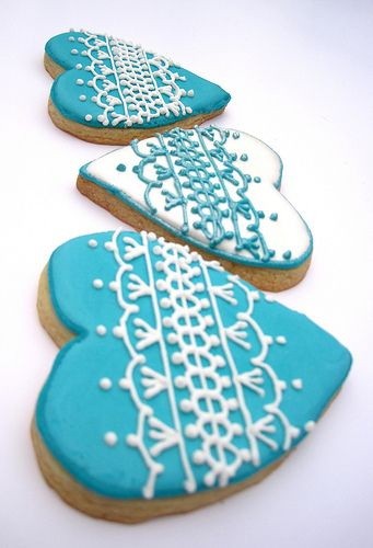 Blue and white lace heart biscuits