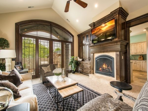 Lane Myers Construction Utah Custom Home Builders Mont Royal South Jordan Utah Luxury Custom Homes #customhomebuilder #realestate #lanemyers #lanemyersconstruction #utah #craftsman #customhomes #utahhomebuilders #utahcustomhomes #utahcustomhomebuilder #luxuryhomes #livingroom #fireplace #vaultedceilings