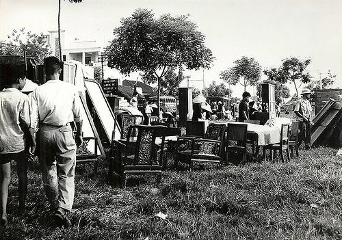 03 INDOCHINE. HANOI 1954 MARCHE AUX PUCES 3 pic on Design You Trust