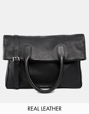 DREAM PICK; I can't get enough of this classic black Whistles bag, it just screams sophistication, a piece that will last for YEARS! http://asos.do/pOhelr