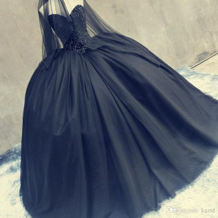 Best 25+ Emo wedding dresses ideas on Pinterest | Black ...