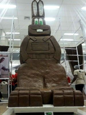 Coelho de chocolate feito em Uberaba bate recorde e entra pro Guinness Book