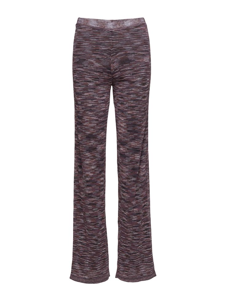 DAY - Day Shadin These flattering flared pants have ben crafted with an exclusive space dyed yarn, making each pair unique and different from the other. The pants have an elastic waistband and are very comfortable to wear. Style yours with the matching DAY Shadin blouse for a cool and bold look.  Patterned design Elastic waistband Slightly flared bottom Stretch fabric Made from a linen blend. Cool Casual elegance Excellent quality and fit Linen is naturally lightweight and breathable