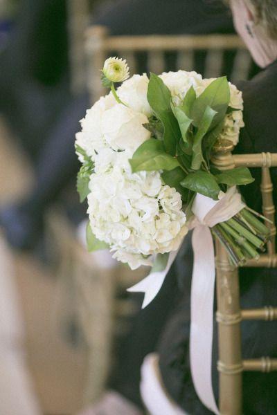 fiori e addobbi bianchi matrimonio chiesa