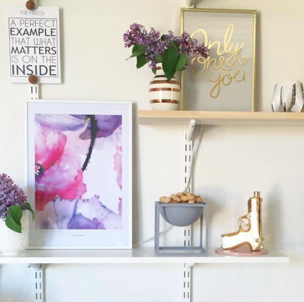 Vores Limited edition plakat blossom pynter hjemme hos Krea_Pernille. #Limitededition #Blossom #poster from #Livink