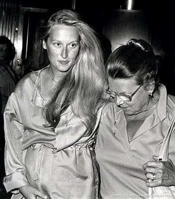 Pregnant Meryl Streep with her mom.