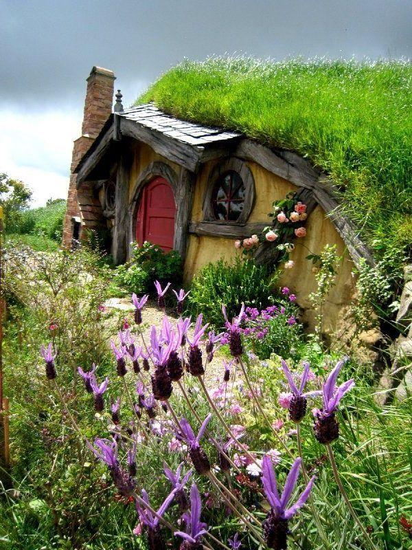 La maison de hobbit � maisons uniques inspir�es par Le Seigneur des anneaux