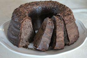 Moi! Tein pätkiskakkua jonka ohjeen löysin Mimmiltä täältä , ohje oli alunperin Myllyn paras-sivustolta . Kakkuni ei ole ihan samannäköin...