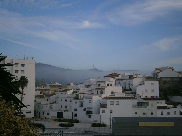 Torrox, un día con niebla