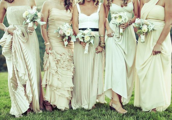 bridesmaids in shades of champagne | photos by Anjuli Paschall |