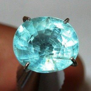 Batu Permata Bluish Green Apatite 2.60 carat Oval Cut