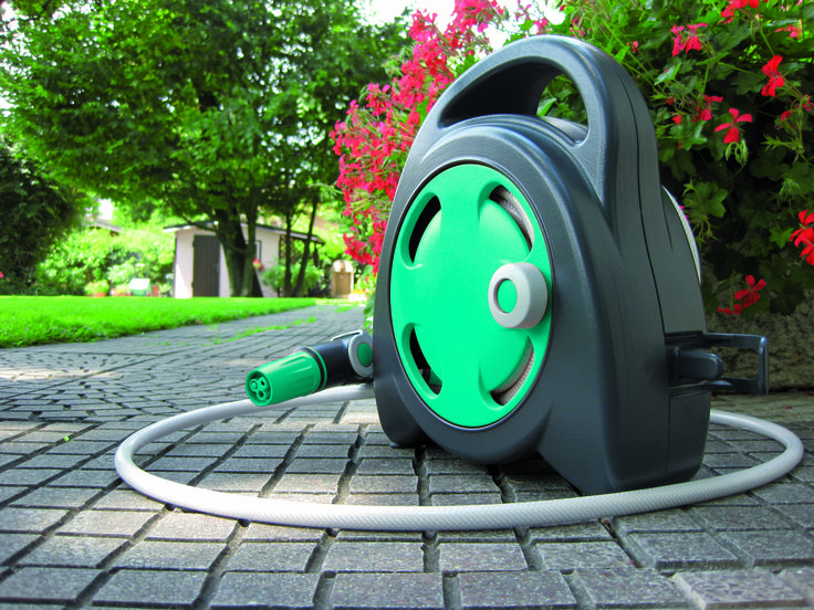 Aquabag Mini Hose Reel Kit with Ergo nozzle & Soft Touch fittings, Brilliant! fantastic quality and great price (includes delivery). Check them out online. EUROPEAN QUALITY AT EVERYDAY PRICES